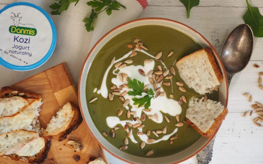 Zupa krem z cukinii i szpinaku z kozim jogurtem